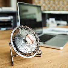 le de bureau usb ventilateur de bureau usb un petit outil aux avantages multiples