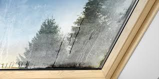 kondenswasser am dachfenster was kann ich tun velux magazin