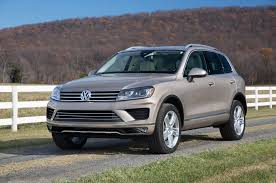 Volkswagen Touareg Reviews: Research New & Used Models | Motor Trend