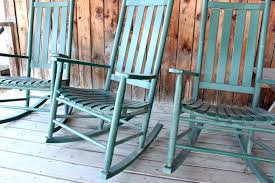 10 Robust Reasons To Rock That Chair | Amoils.com