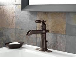 faucet com 554lf rb in venetian bronze by delta