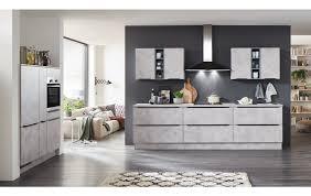 küchenzeile und technikschrank in einer modernen küche in keramik grau nachbildung