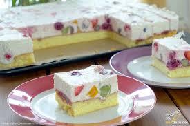 joghurt obstschnitten rezept frischer und fruchtiger kuchen mit obst
