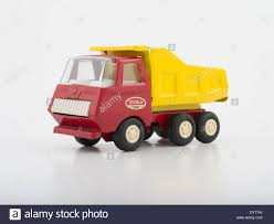 Tonka Toy Stock Photos & Tonka Toy Stock Images - Alamy Toy Garbage Trucks Tonka City Of Chicago Firstgear Flickr Tonka Bottom Dump Truck T333 Davenport 2016 Drawing At Getdrawingscom Free For Personal Use Chuck And Friends Rumblin Talking 50 Similar Items Hakes Tonka Mites Retailers Promotional Boxed Dump Truck Uk Mighty Fleet Garbage Site Motorized Vehicle Frontloader Waste Orange Toy Garbage Picking Up Trash L Trucks Light Sound Wobble Wheels Green Ebay My First Strong Arm Juguetes Puppen Toys Diecast Blue Empties Container Youtube