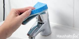 bad putzen so reinigst du dusche badewanne und waschbecken