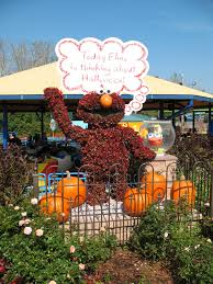 Sesame Place Halloween Parade by The Jersey Momma Autumn Review Of Sesame Place The Count U0027s
