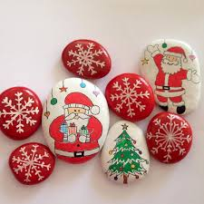 50 Easy DIY Christmas Painted Rock Design Ideas 22 Rocks