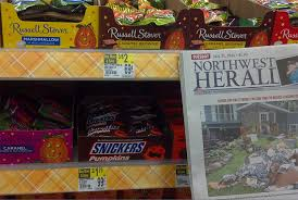 Snickers Halloween Commercial 2015 by Yes Here U0027s A Full Halloween Candy Display At Walgreens U2013 Consumerist