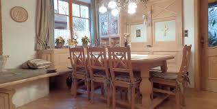 rustikales esszimmer aus fichte mit wohnbereich wohntraum