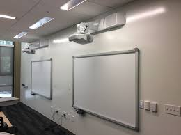 ceiling projector mount epson lcd and dlp projectors for use in school classrooms and colleges