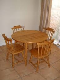 round kitchen table and chairs rounddiningtabless com