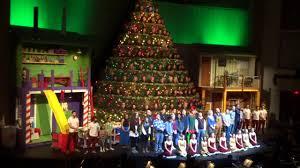 Bellevue Baptist Church Singing Christmas Tree Youtube by 48th Singing Christmas Tree Broadway Church Wishing A Merry