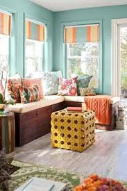 Clever Idea Use 3 Trunks As Benches For A Corner Window Seat Love This But It Would Be Hard To Find Identical Height Like That
