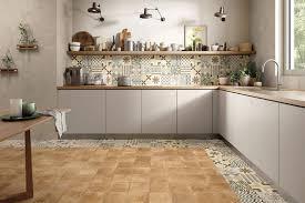 küchenbeläge wie sie die fliesen für ihre küche wählen