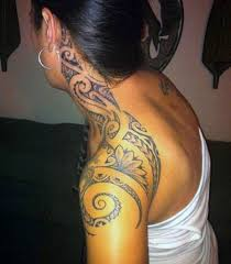Attractive Intricate Hawaiian Tribal Tattoo Ideas For Girls On Side Neck And Shoulder