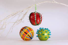 Simple Cubicle Christmas Decorating Ideas by It U0027s A Cubicle Christmas Holiday Decor Made Easy And Cheap With