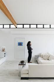 mutter mit baby in minimalistischem bild kaufen