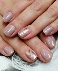 11 chic nail art ideas for your wedding day