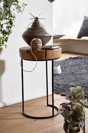 beistelltisch akola massiv holz akazie wohnzimmer tisch metallbeine landhaus stil baumstamm form echt holz natur