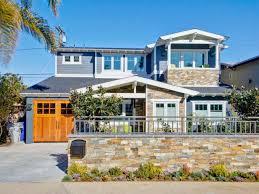 100 Modern Beach Home House Has Trendy Color Scheme The Design File