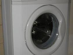 odeur linge machine a laver empêcher les odeurs dans la machine à laver le linge