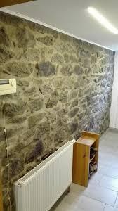 inspiration zum verfugen natursteinwand im wohnzimmer