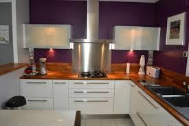 cuisine blanche plan travail bois cuisine blanche avec plan de travail noir trendy cuisine