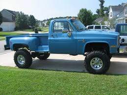 Bad Ass Chevy 4x4 Trucks | 10 87 V-30 Long Bed Step Side | Old ...