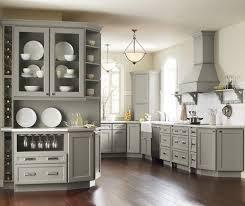 Schuler Cabinets Vs Kraftmaid by Best 25 Kraftmaid Cabinets Ideas On Pinterest Corner Cabinet