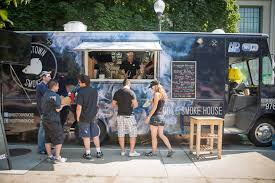 How Hard Is It To Operate A Food Truck In Toronto?