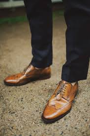 10 Ways To Style Your Groom Vintage