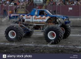 Monster Truck Racing Stock Photos & Monster Truck Racing Stock ...