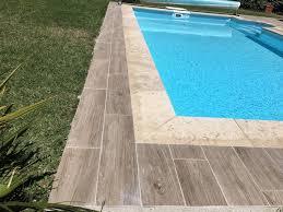 margelle piscine en bois piscine carrelage imitation bois margelles en aix en