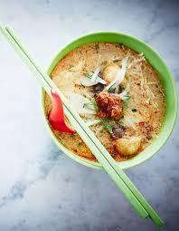cuisine au lait de coco soupe au lait de coco à l oeuf et au tofu laksa nyonya pour 2