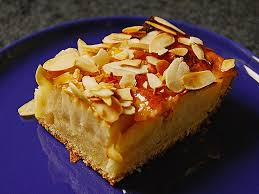 feiner apfelkuchen mit quarkrührteig und mandelblättchen