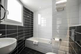 hotel avec dans la chambre perpignan salle de bains baignoire chambre familiale terrasse photo de nyx