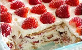 dessert aux fraises voici le meilleur gâteau aux fraises et à la crème fouettée un