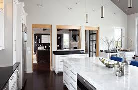 comptoir de cuisine quartz blanc 10 idées de comptoirs en quartz blanc pour rénover votre cuisine