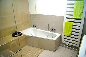dusche und badewanne nebeneinander kleines bad mit dusche