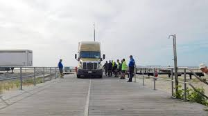 100 Gps For Truck Drivers Tractor Trailer Trapped After Driving For Miles On Boardwalk Near