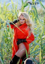 100 Pam Anderson House Ela Ditches Her Underwear For Racy Photo Shoot In Saint