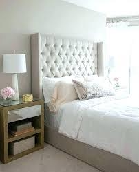 chambre avec tete de lit capitonn chambre avec tete de lit capitonnee capitonne table rabattable