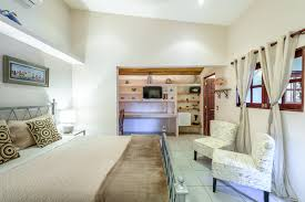 100 Casa Leona Twins Suite