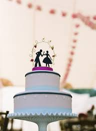 For a fun yet very elegant wedding cake topper we would like to introduce you to Silhouette Wedding Cake Toppers Silhouette cake toppers are a great