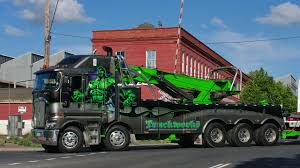 TruckWorks Kenworth K200 Incredible Hulk At Castlemaine - YouTube