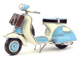 Hot Classic Motor Style Retro 1965 Italy VESPA Motorcycle Model Creative Mini Iron Motorbike Best Gift Home Bar Decoration In Statues Sculptures From