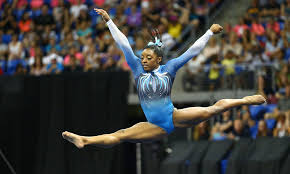 Simone Biles Floor Routine by Shawn Johnson Shouts Out Simone Biles U0027 Mid Routine Wink For The Win