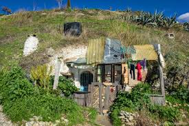 100 Gypsy Tiny House Sacromontegypsycave1200x1200 Blog