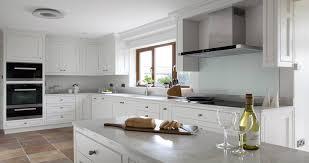 die weiße küche ein ort zum durchatmen und kraft tanken