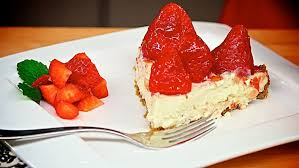 Vegan Strawberry Mountain Pie from The Jazzy Ve arian